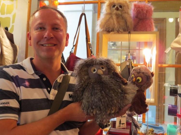 Hugo à Paris avec Tibou et un ami